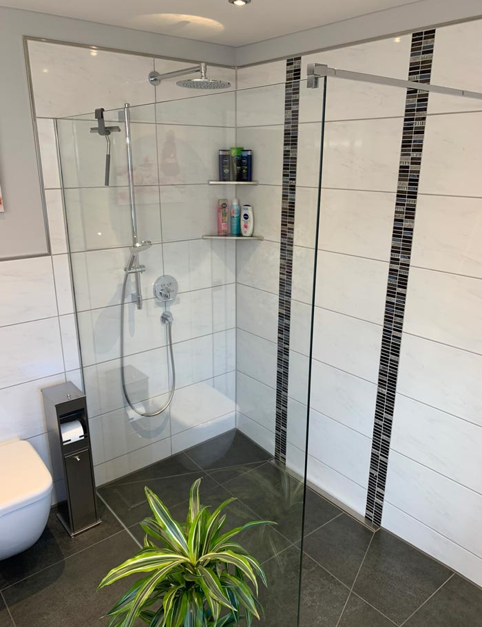 badezimmer mosaik pflanze
